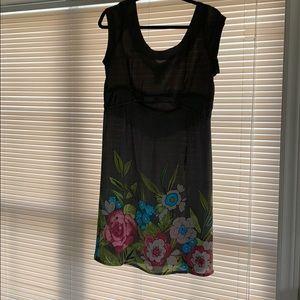 Cute grey summer dress. Sz L